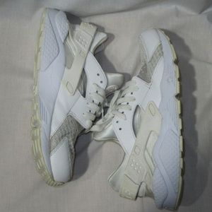 Nike Air Huarache 318429-111 White Pure Platinum